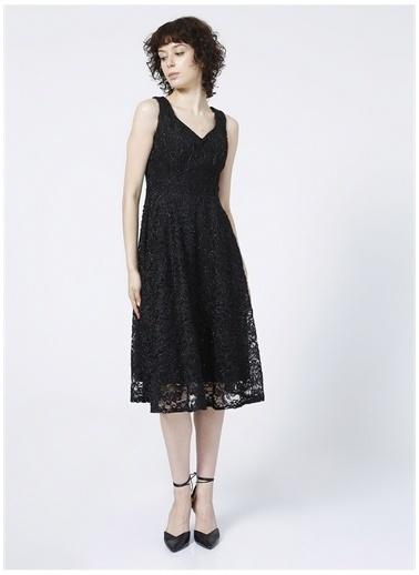 Selen Selen V Yaka Simli Siyah Kadın Elbise Siyah